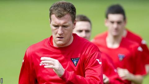 Kevin Kyle training with Dunfermline