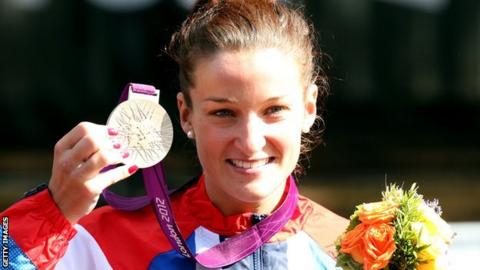 Lizzie Armitstead with silver medal
