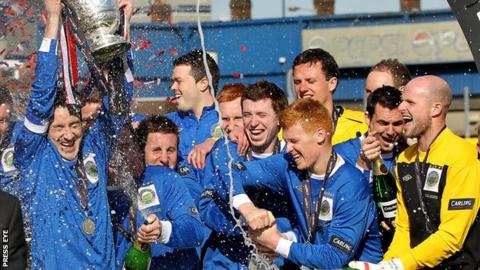 Linfield won the 2011/12 Irish Premiership