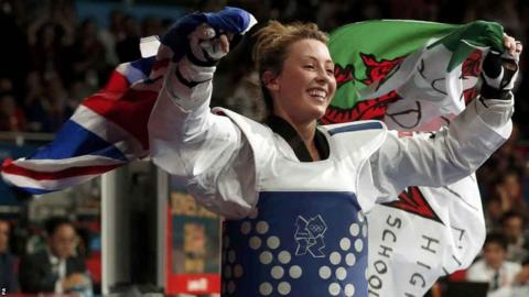 Jade Jones celebrates winning taekwondo under-57kg Olympic gold by beating China's Yuzhuo Hou