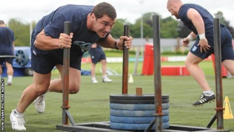 Andries Pretorius in training