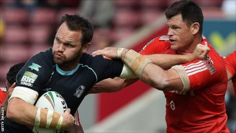 Ben Cross (r) in action for Widnes Vikings against London Broncos