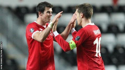 Gareth Bale & Aaron Ramsey of Wales