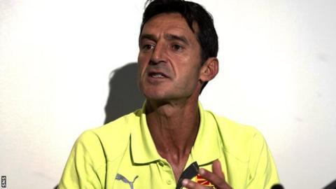 Macedonia coach Cedomir Janevski