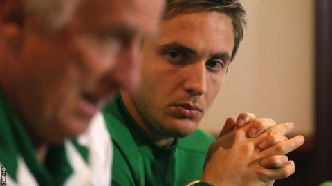 Kevin Doyle (right) with Republic of Ireland manager Giovanni Trapattoni