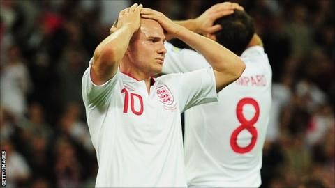 Manchester United and England midfielder Tom Cleverley
