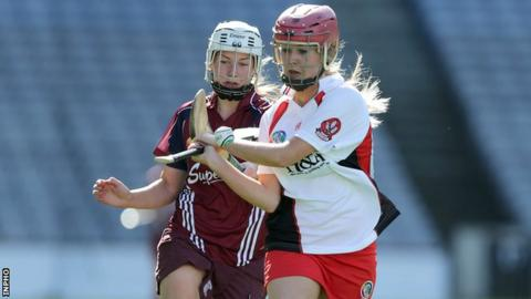 Derry's Aileen McCusker attempts to get away from Galway's Paula Kenny