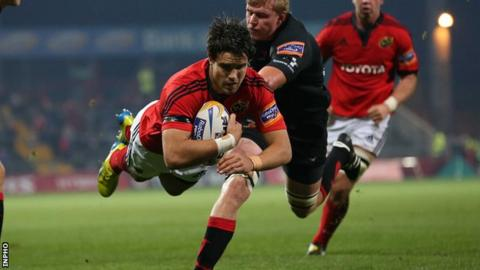 Conor Murray scores a try for Munster against the Dragons