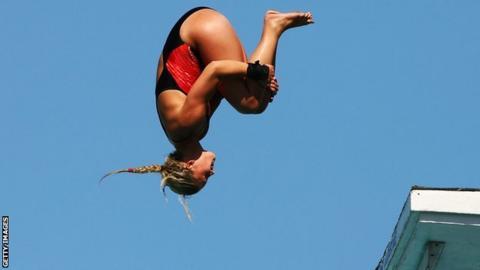 Brooke Graddon dives at the 2009 World Championships