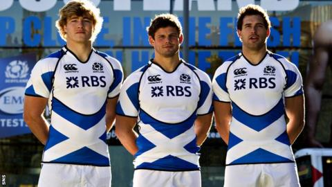 Dave Denton, Ross Ford and Sean Lamont model Scotland's new change kit