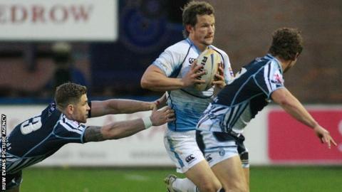 Peter Horne attacks