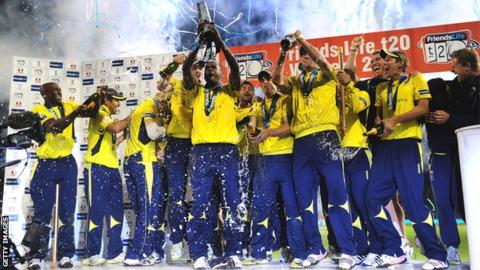 Hampshire celebrate beating Yorkshire in FL t20 final