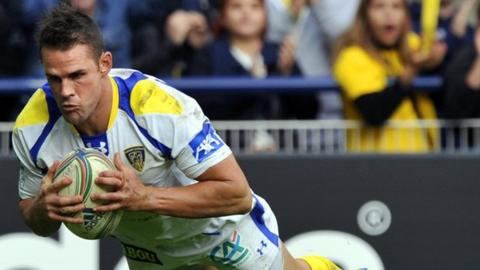 Lee Byrne scores for Clermont Auvergne