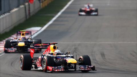 Sebastian Vettel leads Mark Webber in Korea