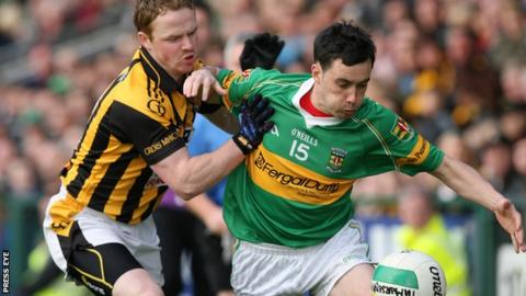Crossmaglen's Paul McKeown battles with Pearse Og's Marc Cullen in the Armagh Football Final
