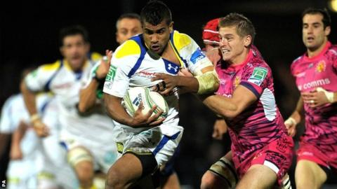Classy Clermont centre Wesley Fofana is tackled by Exeter fly-half Gareth Steenson