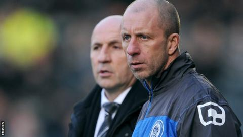 Rochdale manager John Coleman (l) and assistant manager Jimmy Bell