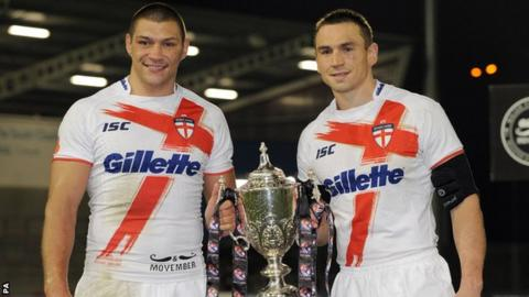 Kevin Sinfield (right) and Ryan Hall (left)