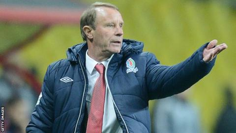 Berti Vogts on the sidelines with Azerbaijan
