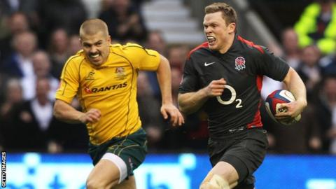 England wing Chris Ashton outpaces Australia counterpart Drew Mitchell to score a spectacular try in 2010
