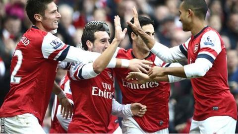 Arsenal celebrate victory over Tottenham