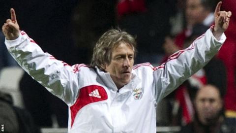 Jorge Jesus celebrates Benfica's victory
