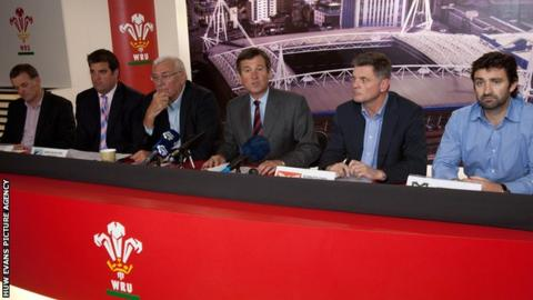 Left to right: Chris Brown, Newport Gwent Dragons; Richard Holland, Cardiff Blues; Stuart Gallacher, Chief Executive of Regional Rugby Wales, Roger Lewis, Group Chief Executive WRU; Mark Davies of The Scarlets and Andrew Hore
