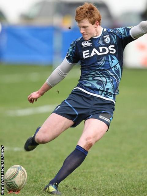 Rhys Patchell's boot keeps Cardiff Blues in touch