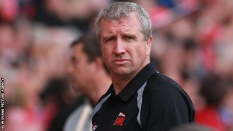 London Welsh coach Lyn Jones