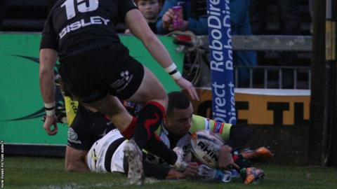Eli Walker goes over for the Ospreys