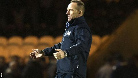 Kenny Shiels remonstrates on the sidelines at St Mirren Park
