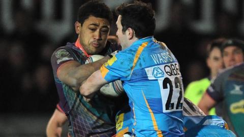 Stephen Jones takes on Toby Faletau
