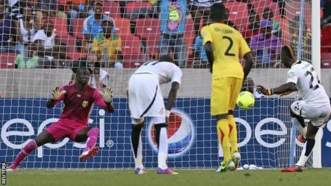 Mubarak Wakaso converts the penalty that won the game for Ghana.