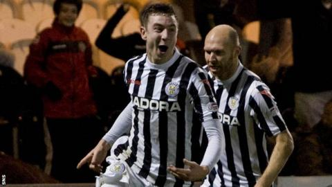 Paul Dummett playing for St Mirren