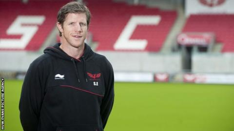 SimonEasterbyWalesIrelandScarlets