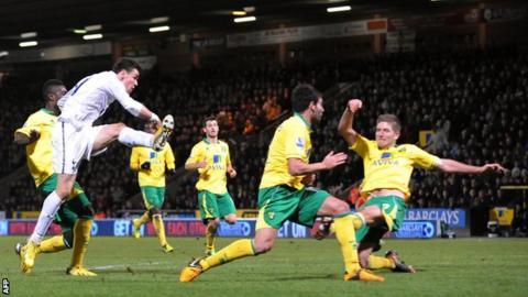 Gareth Bale scoring the equaliser