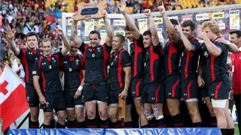 Wales celebrate after winning the Shield final during the 2013 Wellington Sevens