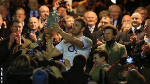 England captain Chris Robshaw lifts Calcutta Cup