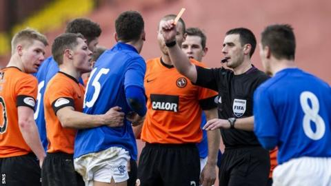 Referee Euan Norris sends off Kai Naismith