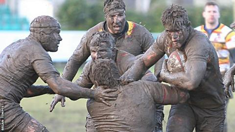 Pirates beat Doncaster at a muddy Mennaye