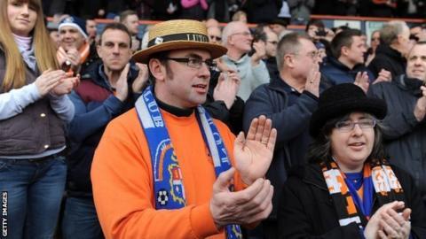 Luton Town fans