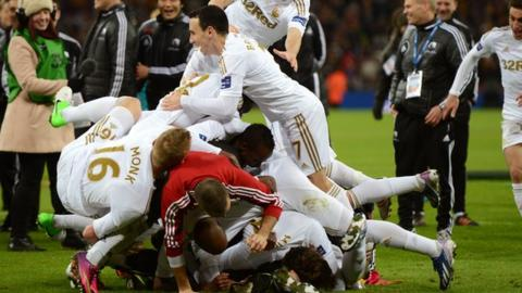 Swansea celebrate League Cup victory