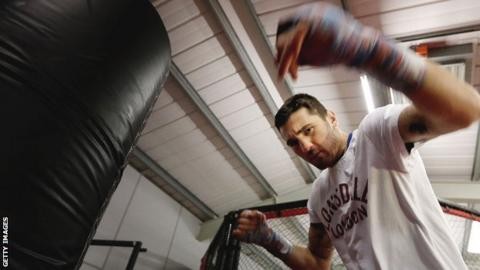 Nathan Cleverly in training