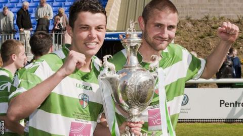 New Saints players Alex Darlington and Greg Draper with the Welsh Cup