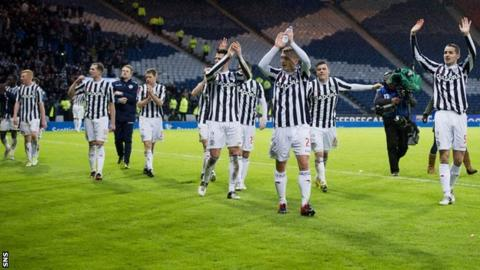 St Mirren players celebrating