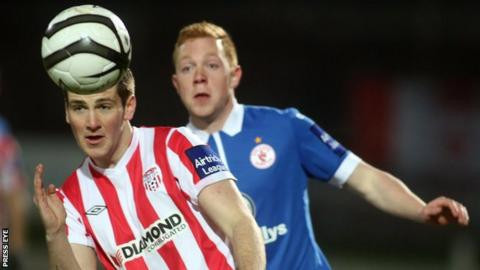 Derry's Patrick McEleney is about to be challenged by Sligo's Ryan Connolly