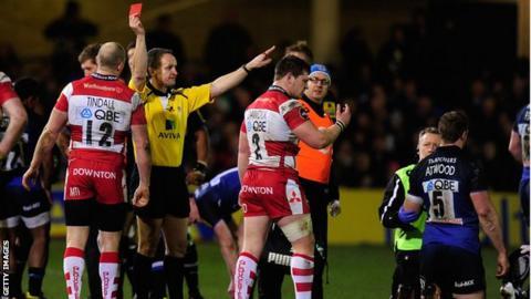 Darren Dawidiuk is sent off against Bath