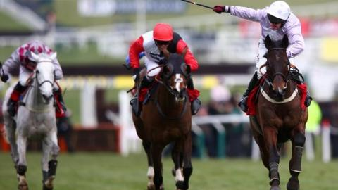 Jockey Paul Carberry on Solwhit (right)