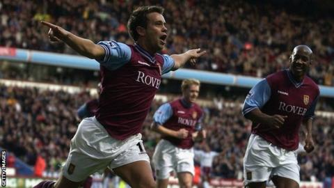 Lee Hendrie playing for Aston Villa