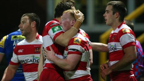 Liam Farrell celebrates with Pat Richards